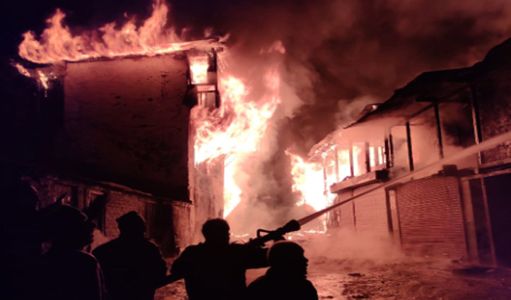 Breaking : कोटखाई में भीषण अग्निकांड, पंचायत घर सहित कई दुकानें व मकान जले