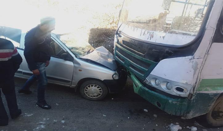 HRTC की बस से टकराई कार, महिला हुई घायल