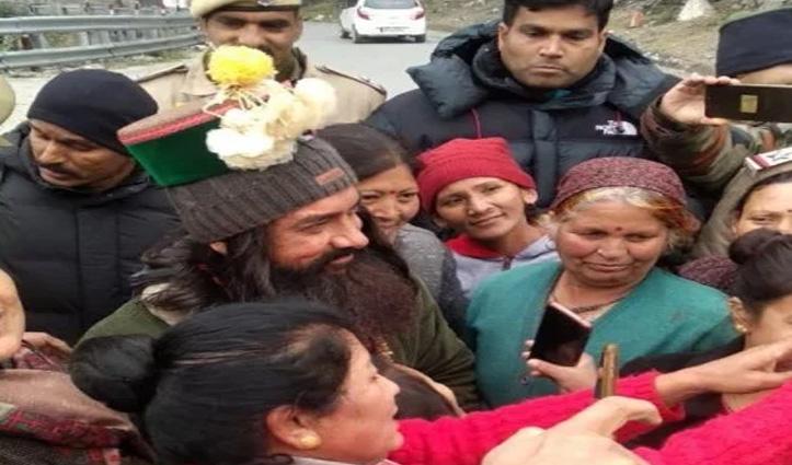 """आमिर खान ने फैंस के साथ ली सेल्फी, तरांडा में फिल्माए """"लाल सिंह चड्डा"""" के सीन"""