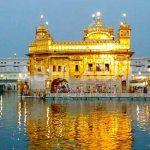 Amritsar जा रहे हैं तो इन जगहों का खाना जरूर चखना