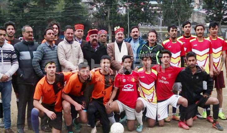 ट्रंप पैप्सी मंडी बनी सेवन ए साइड जिला स्तरीय फुटबॉल टूर्नामेंट की विजेता