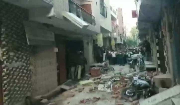 दिल्ली: कोचिंग सेंटर की छत गिरी, मलबे में दबकर 5 बच्चों की गई जान, कई घायल