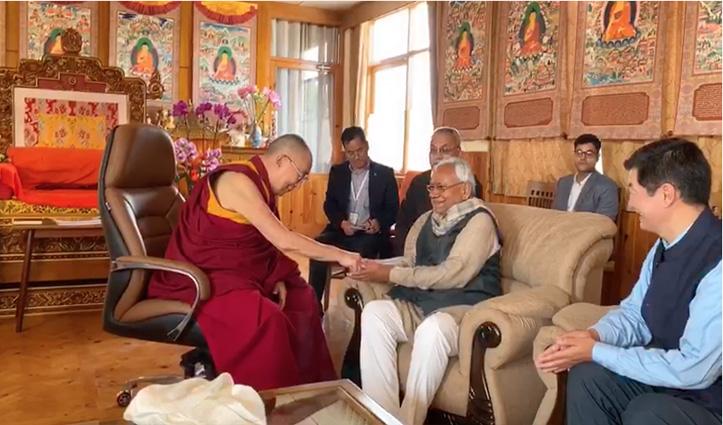 Bihar CM Nitish Kumar meets The Dalai Lama and CTA President in Bodh Gaya