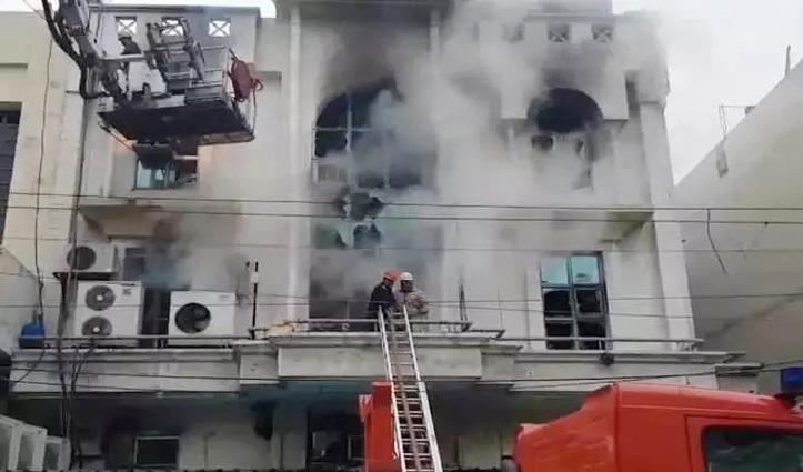 Printing press में भड़की आग, एक की गई जान, सर्च ऑपरेशन जारी