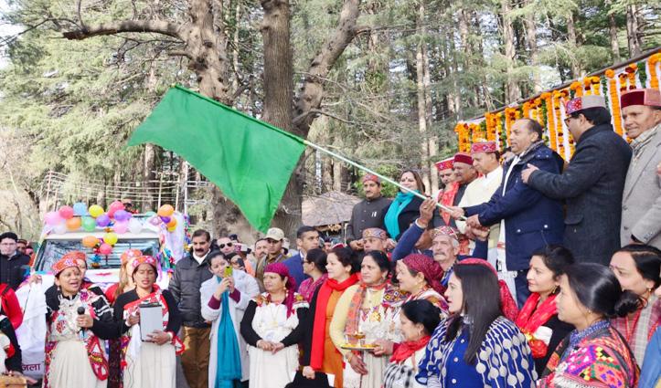 मनाली में Winter Carnival शुरूः सीएम जयराम ने कार्निवाल परेड को हरी झंडी दिखाई