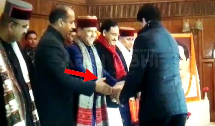 जयराम के हाथ बढ़ाने, Anurag के हाथ न मिलाने के पीछे आखिर क्या है सच-वीडियो
