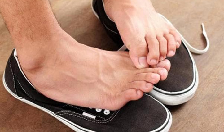 सावधान ! जूते खराब कर रहे हैं आपकी हड्डियां, शोध में हुआ खुलासा