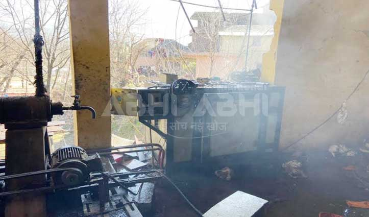 कुल्लू : Oil factory में धमाके के साथ भड़की आग, मालिक समेत तीन घायल