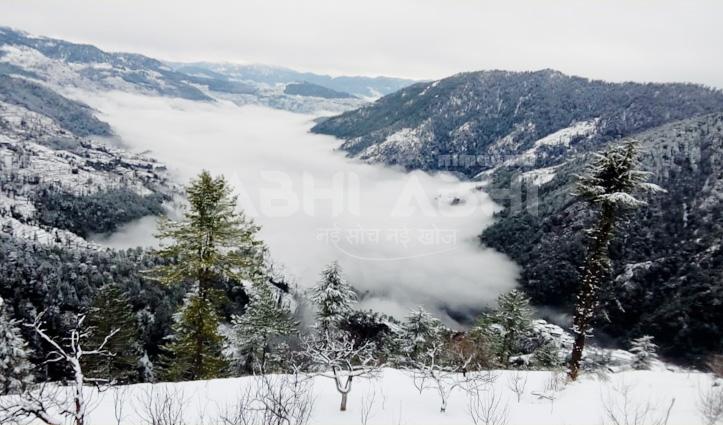 Himachal में बर्फबारी से 100 सड़कों पर वाहनों की आवाजाही ठप, HRTC की आधा दर्जन बसें फंसी