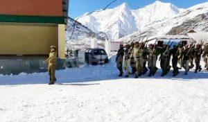 लाहुल स्पीति: माइनस 12 डिग्री तापमान और डेढ़ फीट बर्फ में गणतंत्र दिवस परेड की रिहर्सल