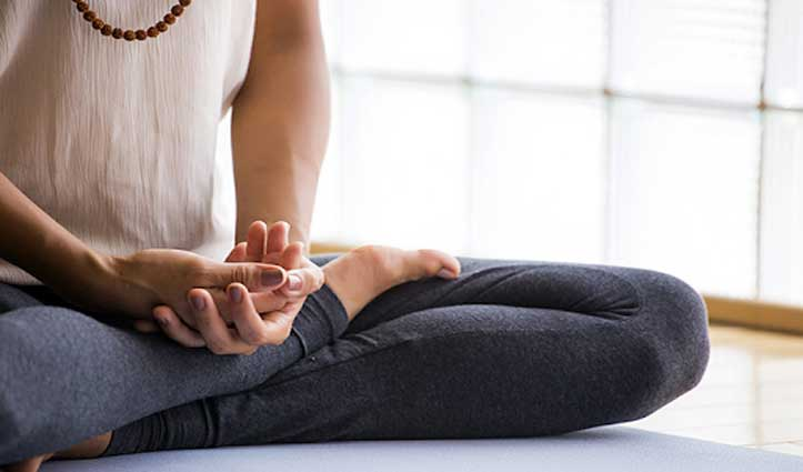 40 की उम्र के बाद हर महिला को करने चाहिए ये तीन योगासन, जानें क्या होगा फ़ायदा