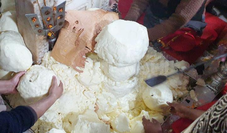 मां बज्रेश्वरी देवी का मक्खन से श्रृंगार