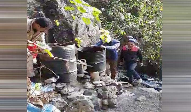 पीपली के जंगलों का गंदा सच देखें Video में,महिलाओं संग Police की दबिश के बाद की कहानी