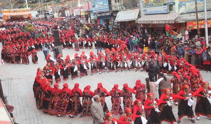 मनाली: विंटर कार्निवाल में दिखी आठ राज्यों की संस्कृति की झलक