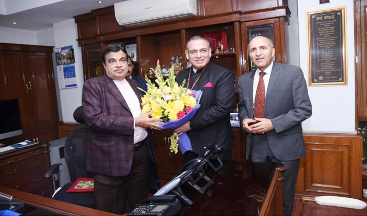 Jagdish Sharma and Sanjay Kundu meet Union Minister Nitin Gadkari