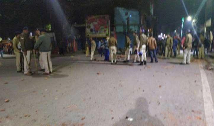 पटना: मूर्ति विसर्जन के दौरान हुई झड़प, बमबाजी में दारोगा-सिपाही समेत दर्जनों घायल