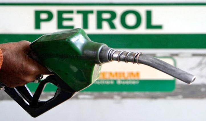 खुशखबरी : लगातार तीसरे दिन सस्ता हुआ Petrol, डीजल पर कोई बदलाव नहीं