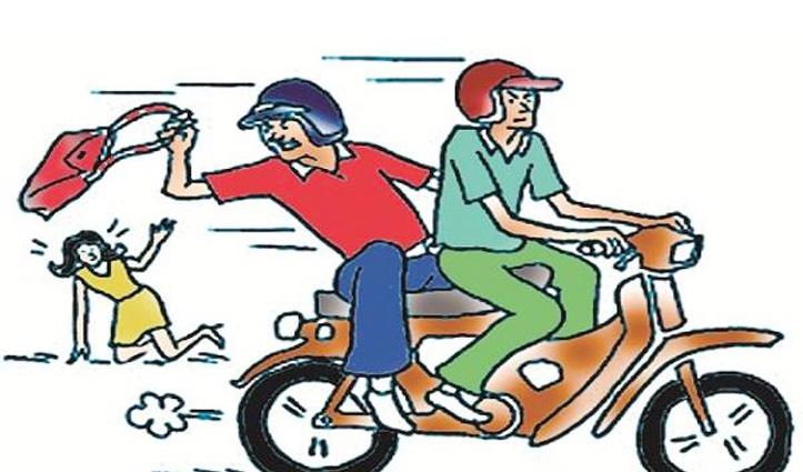 इंदौरा से महिला का पर्स छीन भागे बाइक सवार युवकों को फतेहपुर में दबोचा