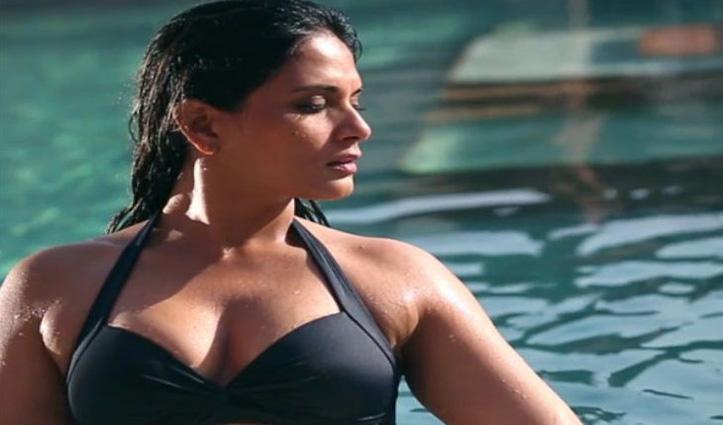 ब्लैक मोनोकनी में कहर ढा रहीं Richa Chadda, शेयर की फोटो