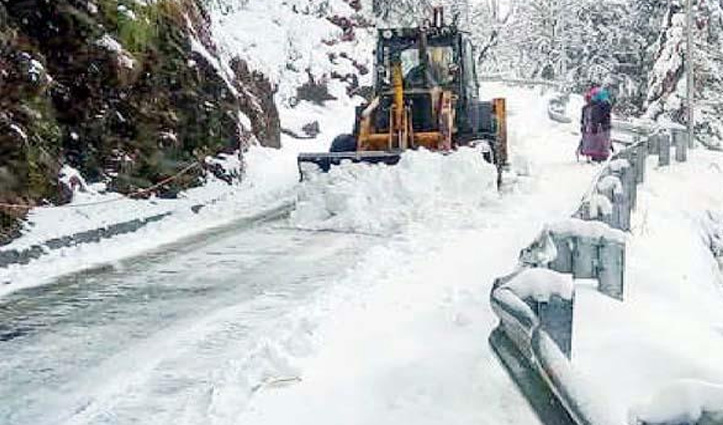 Himachal में अभी तक 900 सड़कें बंद, Jai Ram का सराज भी अछूता नहीं