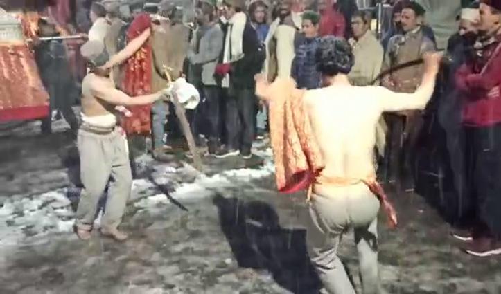 रोहड़ू में देवता खंटू की शांद महायज्ञ में निभाई शिखा फेर की मुख्य रस्म