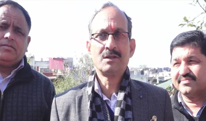 सत्ती का तंजः Mukesh और राठौर में चल रही झूठ बोलने की प्रतियोगिता