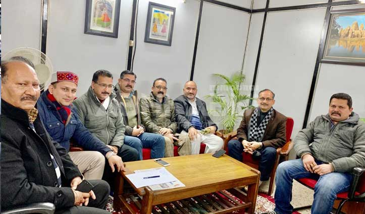 सत्ती की अध्यक्षता में दिल्ली में हुई बैठक, क्या पकी खिचड़ी-जानिए