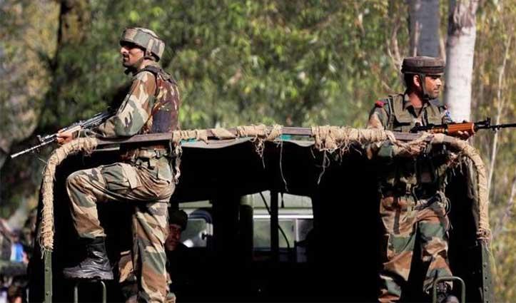 जम्मू-कश्मीर के शोपियां में बड़ी मुठभेड़, सुरक्षाबलों ने तीन आतंकियों को किया ढेर