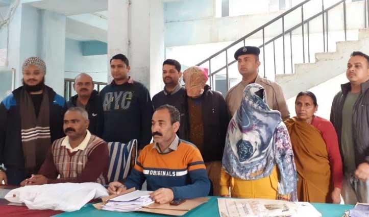 लाखों की ठगी मामले में Bihar से दंपति Arrest, नकदी सहित अन्य सामान बरामद