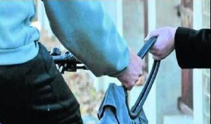 Una में बाइक सवार युवक महिला का पर्स छीनकर हुआ फरार, मामला दर्ज