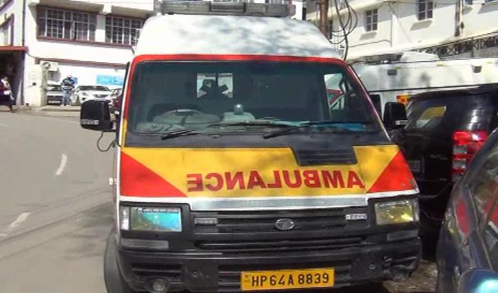 Solan में मरीज को लेने गई 108 एंबुलेंस के दोनों टायर फटे, रात का था वक्त