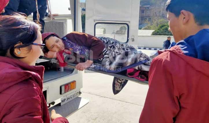 तिंगरेट हेलीपैड से 5 मरीज किए Airlift, भुंतर एयरपोर्ट पर नहीं मिली एंबुलेंस-हंगामा