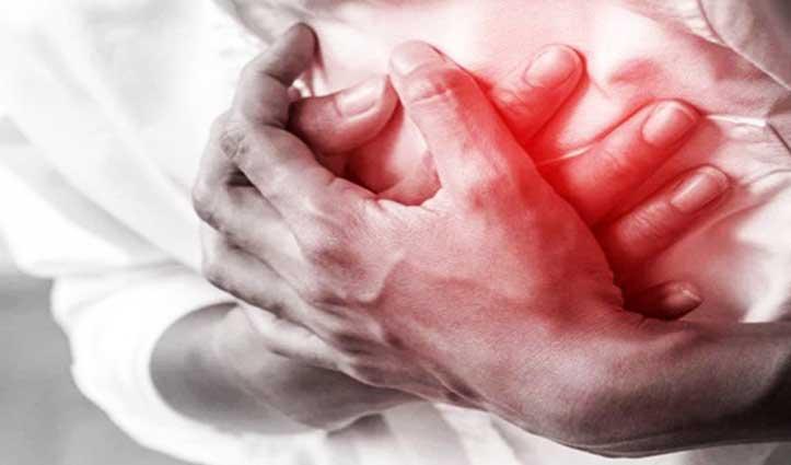 Delhi Elections: पोलिंग स्टेशन पर तैनात चुनाव अधिकारी की Heart Attack से मौत