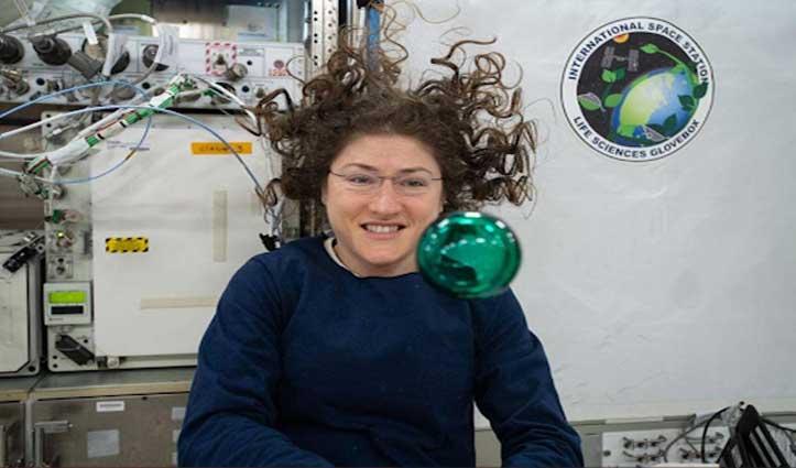 Space में सबसे ज्यादा दिन बिताने वाली महिला बनी क्रिस्टीना कुक, रचा इतिहास