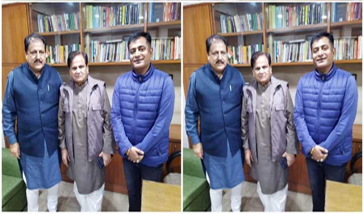 अहमद पटेल से मिले रामलाल ठाकुर-सतपाल रायजादा