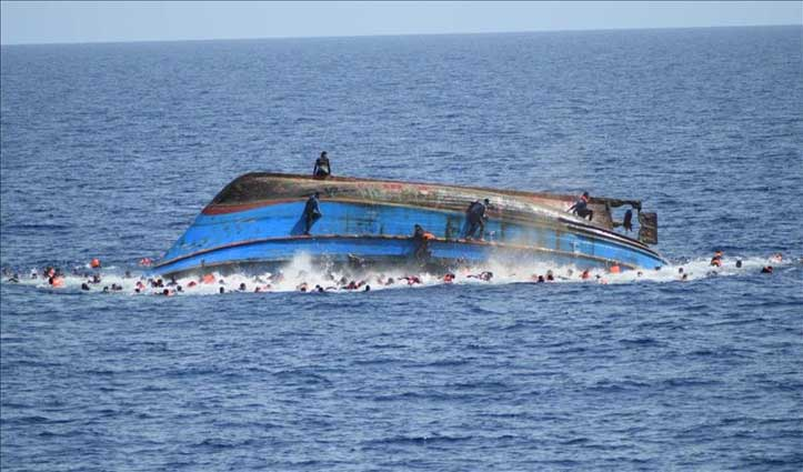 बंगाल की खाड़ी में नाव पलटने से कम-से-कम 16 रोहिंग्या शरणार्थियों की जान गई