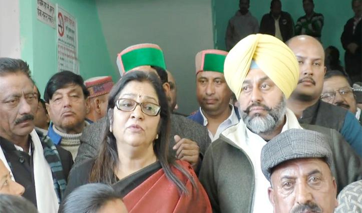 रजनी की अगुवाई में सोलन की सड़कों पर Congress,आरक्षण पर BJP का पूछा स्टैंड