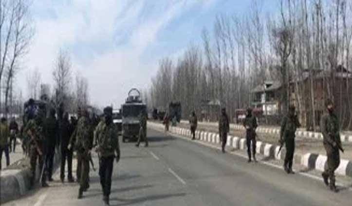 जम्मू-कश्मीर में बड़ी मुठभेड़, एक CRPF जवान शहीद, तीन आतंकी ढेर