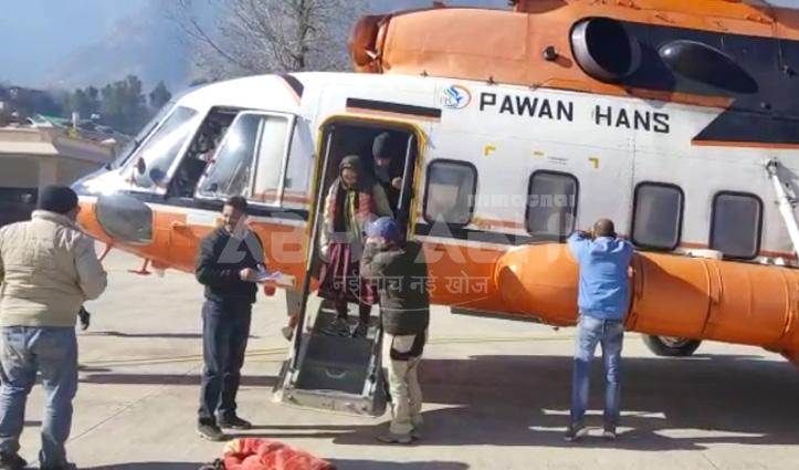 2 हेलीकॉप्टर उड़ानों में करीब 80 लोग हुए रोहतांग दर्रे के आर-पार