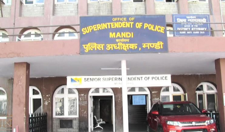 Manali में पुलिस कस्टडी से चरस आरोपी फरार, मंडी के एक ASI सहित तीन कर्मचारी सस्पेंड