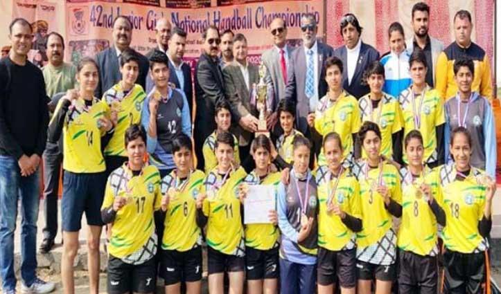 गाजियाबाद में राष्ट्रीय महिला हैंडबाल प्रतियोगिता में Himachal ने जीता Gold