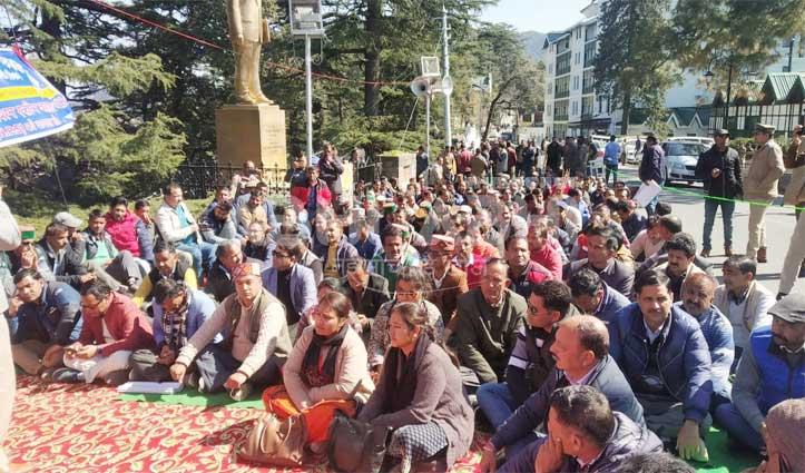 पुरानी पेंशन बहाल करने के लिए शिमला में गरजे प्राथमिक शिक्षक