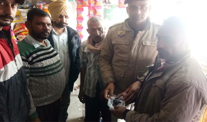 Paonta Sahib में पुलिस ने चिट्टा और चरस के साथ धरे दो