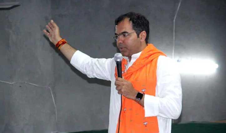केजरीवाल को 'आतंकी' कहने पर EC ने BJP नेता प्रवेश वर्मा पर लगाया दूसरी बार Ban