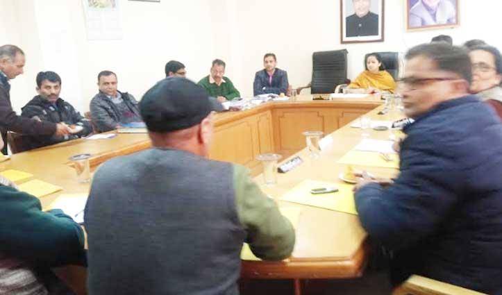 अवैध रेहड़ी-फड़ी वालों पर कल से शुरू होगी कार्रवाई, Nagar Parishad बैठक में लिया फैसला