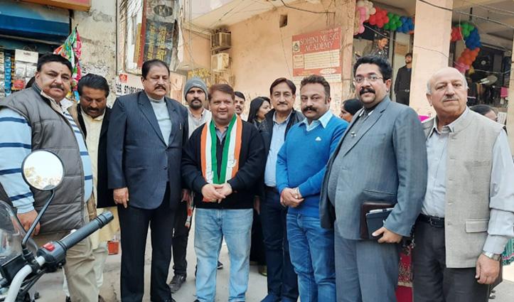 Delhi चुनाव : बिन बुलाए मेहमान, Congress के प्रचार में डटे, Himachal के तीन ठाकुरों ने संभाला मोर्चा