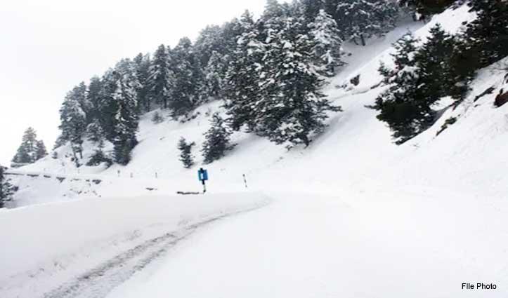 Himachal: बर्फबारी में फंसे नवजात शिशु सहित सात को सुरक्षित निकाला
