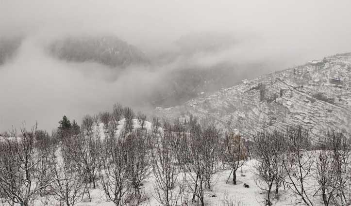 मौसम ने ली करवट : पहाड़ों पर Snowfall, निचले इलाकों में Rain