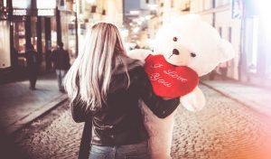 Valentines Week: गर्लफ्रेंड के गुस्से से बचा सकता है ये छोटा सा टेडी बियर