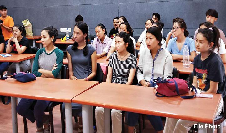 First Hand : तिब्बती भी अब Civil Services Exam के लिए पात्र, निर्वासन में सुकून देने वाली बात